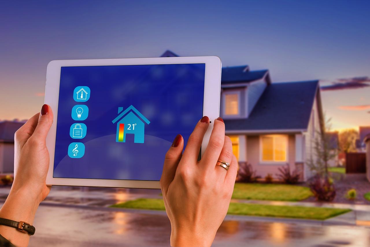 Quelles sont les différences entre vidéosurveillance et télésurveillance - Comparateur d'alarme et vidéosurveillance, devis gratuit et rapide - Le Héron
