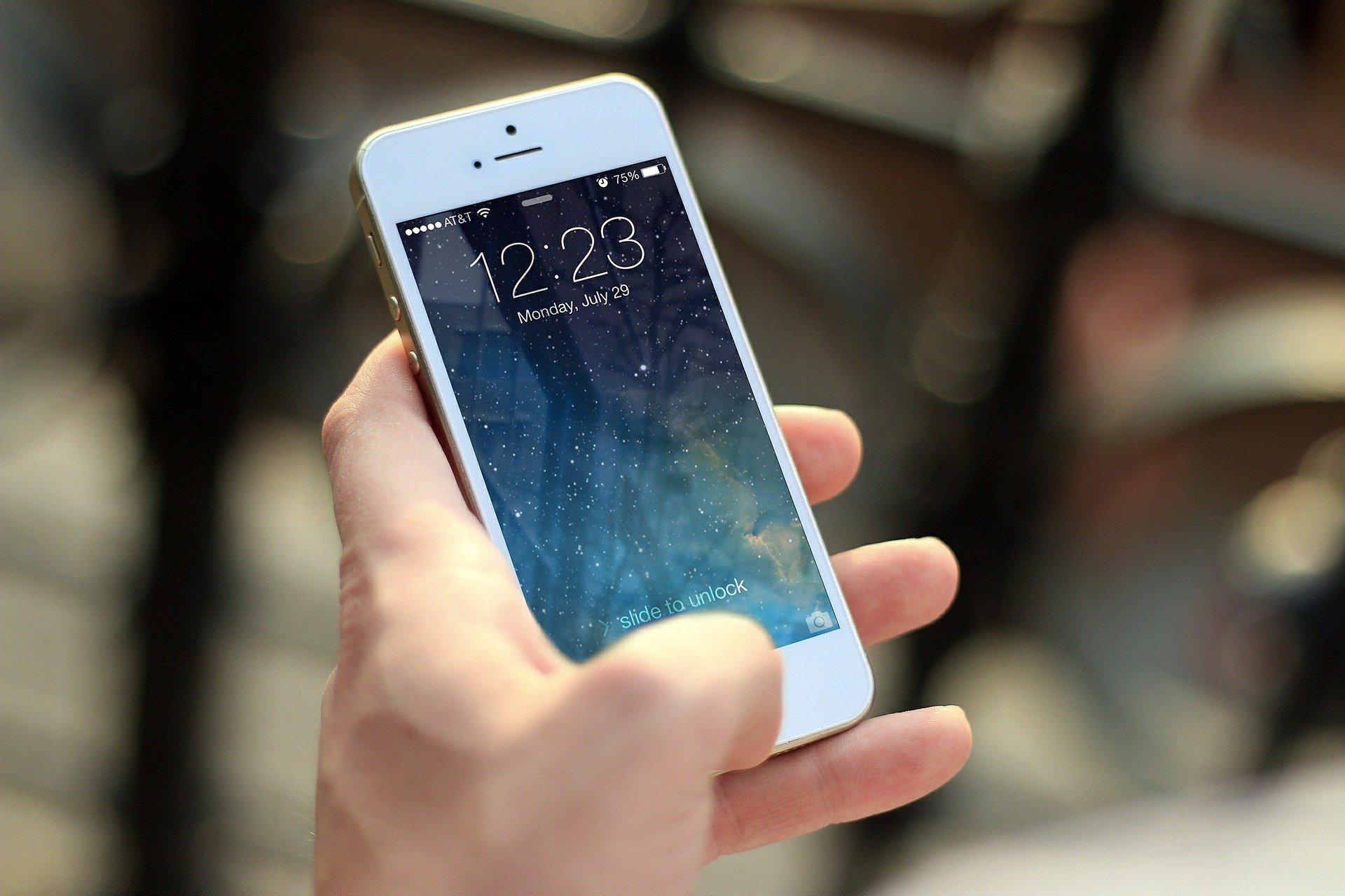 Utiliser son téléphone comme caméra de surveillance - Comparateur d'alarme et vidéosurveillance, devis gratuit et rapide - Le Héron