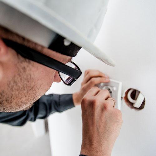 Livraison et installation - Comparateur d'alarme et vidéosurveillance, devis gratuit et rapide - Le Héron